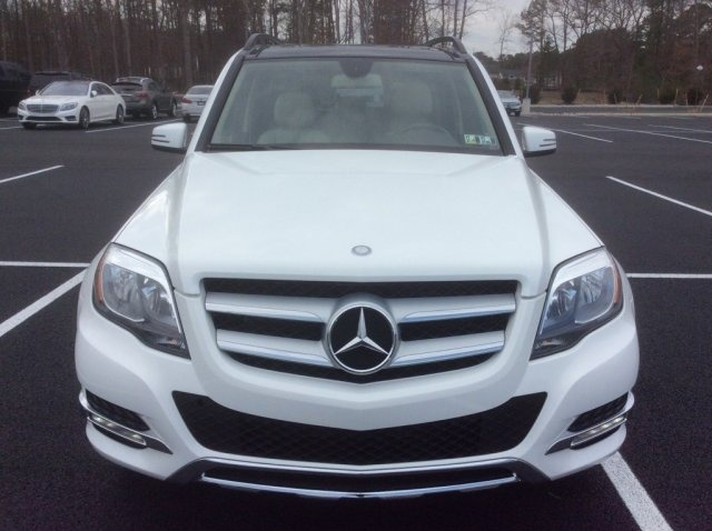 Selling 2015 Mercedes Benz GLK 350 4Matic